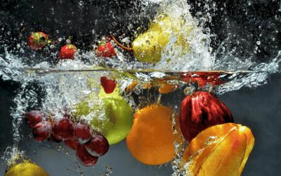 Spală fructele și legumele cu apa puternică Kangen